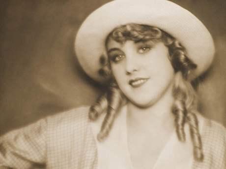 Herečka Anny Ondráková, rok 1928