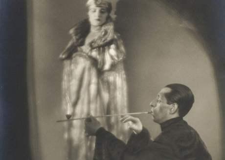 Opiový sen, rok 1928