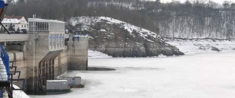 Hladina Vranovské přehrady klesla nejníže za dvacet let - kvůli obavám z jarního tání
