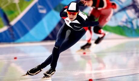 Rychlobrusla�ka Martina S�bl�kov� ve sv� j�zd� p�i z�vod� na 1 500 metr� na ZOH ve Vancouveru.