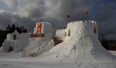 Dobývání sněhového hradu Harrachštejn. (20. února 2010)