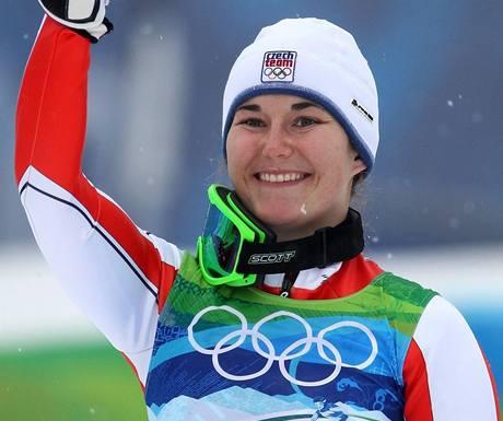 PALEC NAHORU. Česká lyžařka Šárka Záhrobská zvládla obě kola slalomu speciál a získala na olympiádě ve Vancouveru bronzovou medaili.