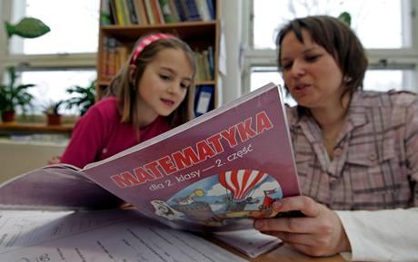 Učebnice MATEMATYKA, to není chyba. V obci Hrádek mají polskou i českou školu.