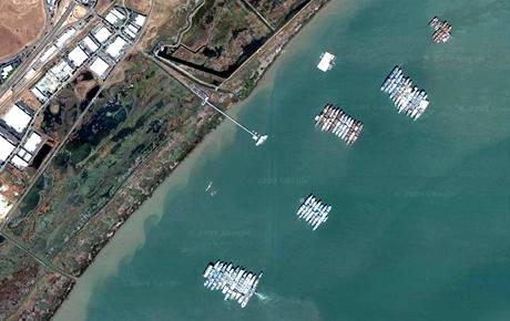 Záložní lodě u San Franciska určené pro národní obranu USA.