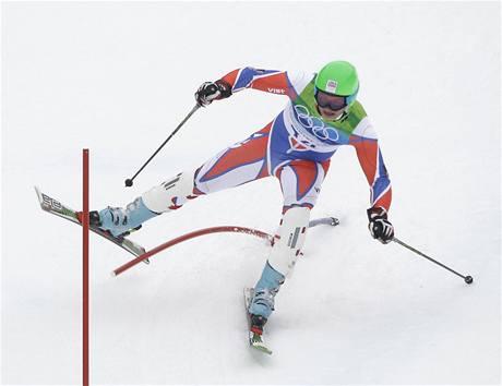 TYČ MEZI NOHAMA, to je špatně. Kryštof Krýzl se do olympijského slalomu pustil vehementně, ale neustál to. V konečné klasifikaci mu nepatří žádné pořadí.