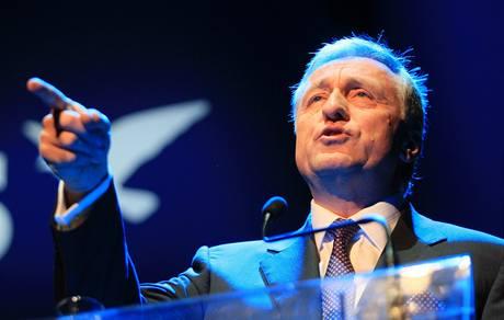 Pokud se k moci dostane levice, hrozí zemi cesta ke státnímu bankrotu, řekl na ideové konferenci ODS předseda strany Mirek Topolánek.