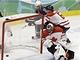 CO MI TO TAM SPADLO? V závěru utkání začali hokejisté Spojených států dotahovat, a kanadský gólman Roberto Luongo měl plné ruce i nohy práce.