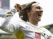 Luka Modric je v Tottenhamu oporou, a tak za n�j v klubu cht�j� dsotat co nejv�c.