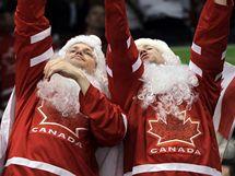 Fanoušci Kanady při utkání s Ruskem v olympijském čtvrtfinále.