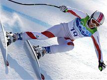 Vítězka olympijského turnaje Super-G Andrea Fischbacherová při své jízdě.