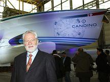 Největší plavidlo se solárním pohonem na světě bylo odhaleno v německých loděnicích v Kielu. (25. února 2010)