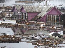 Obrázek zkázy v zemětřesením zničeném Chile