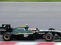 LOTUS 2010. Testovací pilot Fairuz Fauzy monopostem malajsijského týmu Lotus.
