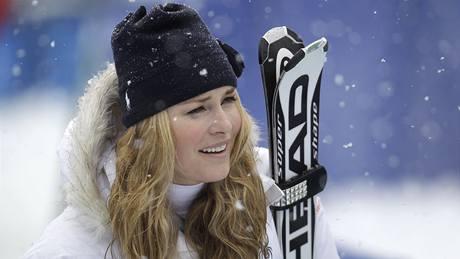 ZIMNÍ KRÁLOVNA: Možná si Lindsay Vonnová zahrává, když vypadává z olympijských závodů, což ji v obřím slalomu postihlo už podruhé. Ale když jí titul zimní královny nepřipadne podle výsledků, vzhledem si o něj říká rozhodně.