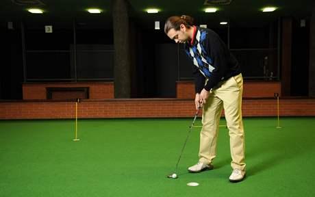 Seriál o golfových pravidlech - doklepnutí míčku do jamky.