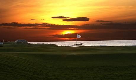 Golf ve Skotsku.