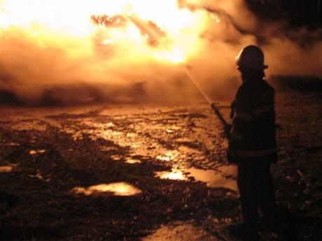 Zásah hasičů při požáru stohu v obci Kateřinice