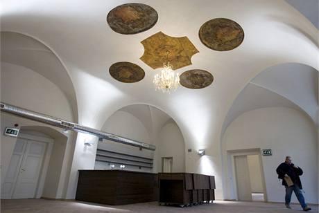 Interiér nově zrekonstruované Malostranské besedy v Praze.