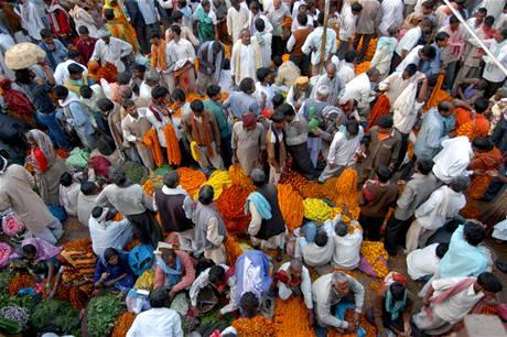 Hinduistické svátky a festivaly navštěvují davy indických věřících. Ilustrační foto