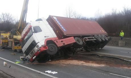 Nehoda kamionu u Mladé Boleslavi