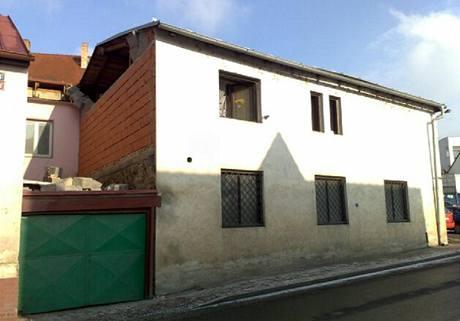 Dům v Praze Radotíně, kde explodoval plyn.