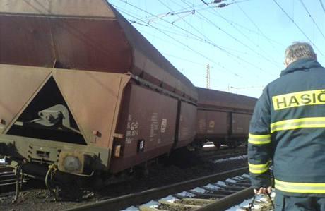 Vykolejený nákladní vlak v Losovosících způsobil na koridoru škodu 20 milionů korun.