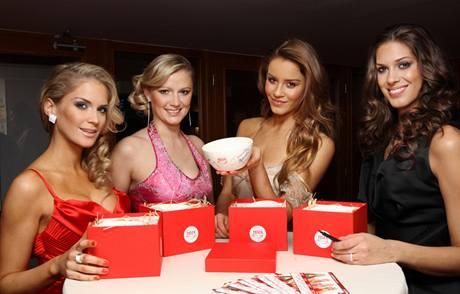 Miss Euro 2008 Dominika Hužvárová, Monika Žídková, Zuzana Jandová a Aneta Vignerová