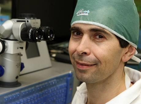Oční chirurg Pavel Stodůlka