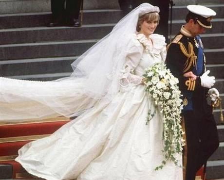 Svatební šaty princezny Diany navrhli David a Elizabeth Emanuelovi