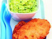 Smažená ryba s bramborovo-brokolicovou kaší.