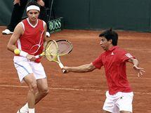 Paul Capdeville (vlevo) a Jorge Aguilar z Chile v utkání Davisova poháru proti Izraeli