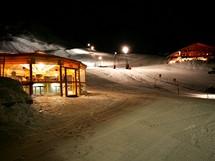 Rakousko, Bregenzerwald. Damüls, noční lyžování