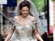 Svatební šaty od návrháře Maura Adamiho v hodnotě 240 000 liber