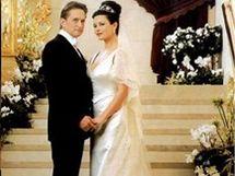 Catherine-Zeta Jones a Michael Douglas v jejich svatební den