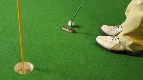 Seriál o golfových pravidlech - nezvyklé, ale povolené zakládání putteru.
