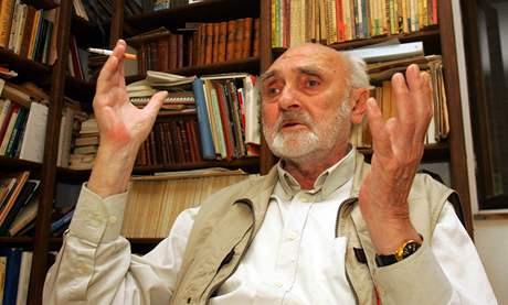 Zbyněk Hejda na chalupě v Horní Vsi, září 2006