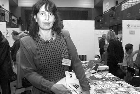 Markéta Hejkalová na havlíčkobrodském knižním veletrhu, říjen 2000