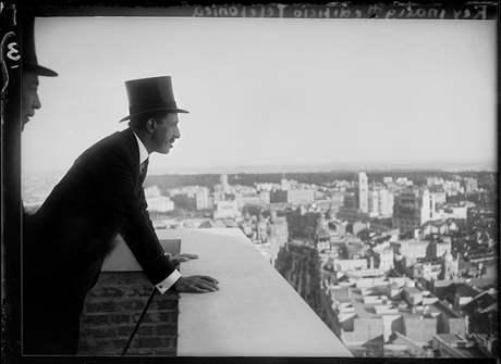 Král Alfonso XIII. hledí na Madrid, rok 1929