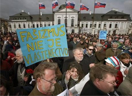 Demonstrace proti pochodu nacionalistů Bratislavou. (14. března 2010)
