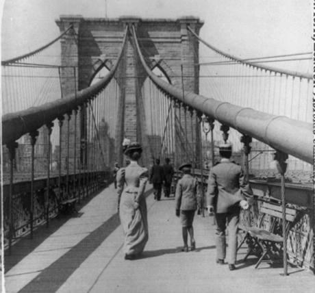 Promenáda na Brooklynském mostě v roce 1899