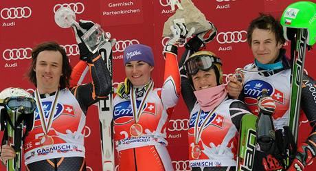 Vítězný český tým (zleva): Ondřej Bank, Šárka Záhrobská, Lucie Hrstková a Kryštof Krýzl.