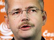 Předseda ústředního volebního týmu Jaroslav Tvrdík (ČSSD) na tiskové konferenci v Praze. (11. března 2010)