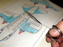 Letadlo nejprve vybarvěte
