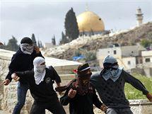 Palestinští demonstranti se střetli ve východním Jeruzalémě s izraelskými policisty. (16. března 2010)