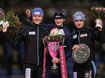 Martina Sáblíková (uprostřed), Stephanie Beckertová (vlevo) a Daniela Anschützová-Thomsová.