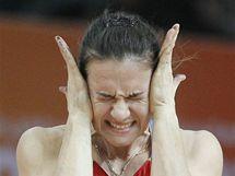 Ruská tyčkařka Jelena Isinbajevová po jednom z kvalifikačních nezdarů