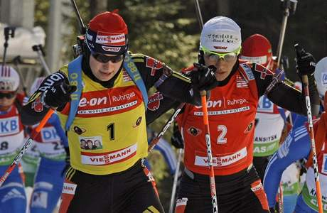 Magdalena Neunerová (vlevo), Simone Hauswaldová