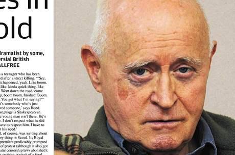 Dramatik Edward Bond na snímku k jednomu z interview v britském tisku