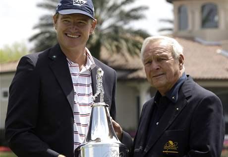Ernie Els, vítěz Arnold Palmer Invitational 2010, a hostitel turnaje A. Palmer.