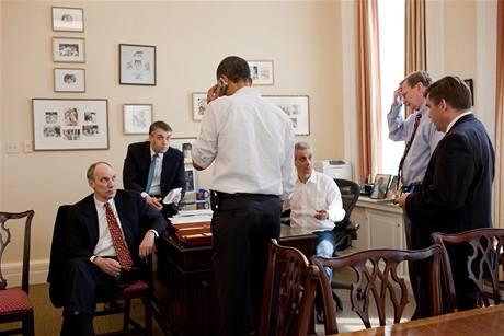 Barack Obama v Bílém domě v neděli, kdy prošla jeho zdravotní reforma hlasováním ve Sněmovně reprezentantů (21. března 2010)